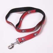 Our 100% Nylon 6' Georgia Bulldogs Dog Leash is perfect for the most important fan in the house! Let them show their school pride in the team of your choice. Go Georgia Bulldogs