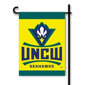 UNC Wilmington garden flag